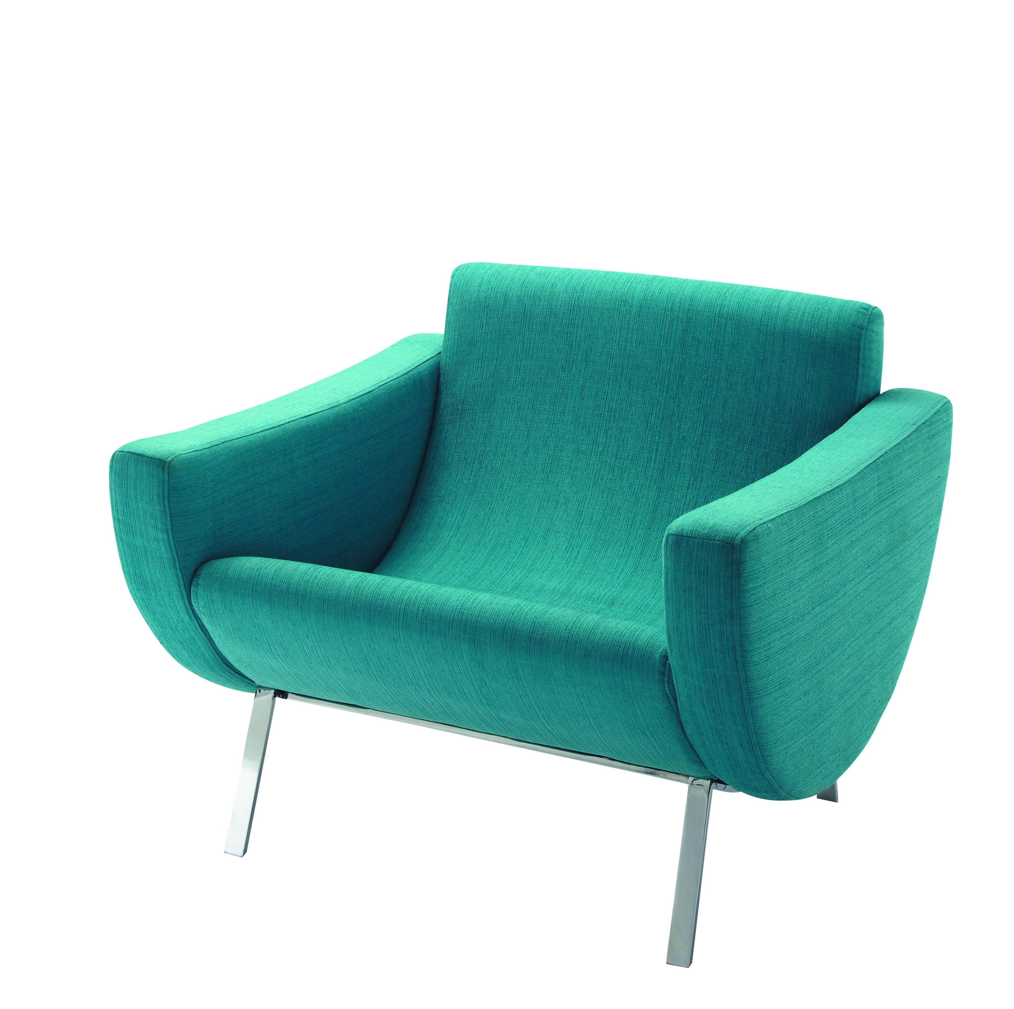 Conçu en 1958, le fauteuil « club » Mandarine, s'intègre parfaitement dans les appartements exigus de la Reconstruction grâce à sa forme compacte. Le faible encombrement répond à de multiples fonctions, mais aussi pour s'insérer dans des espaces minimums comme la salle de séjour, lieu de vie principal de la famille. Fauteuil Mandarine, 299 €.