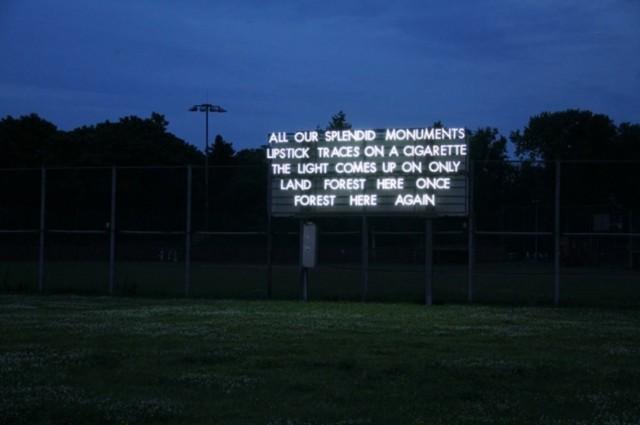© Robert Montgomery. Tous les droits réservés.