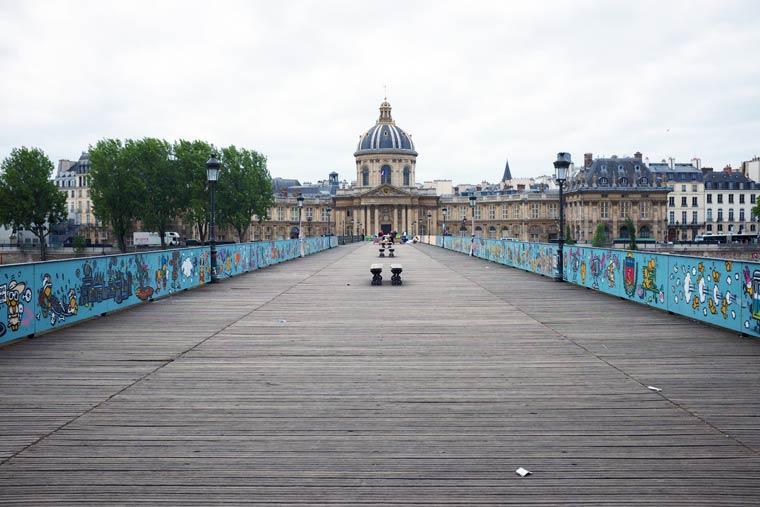 3e6a81090d03fd Du street-art pour remplacer les cadenas du pont des Arts - Untitled ...