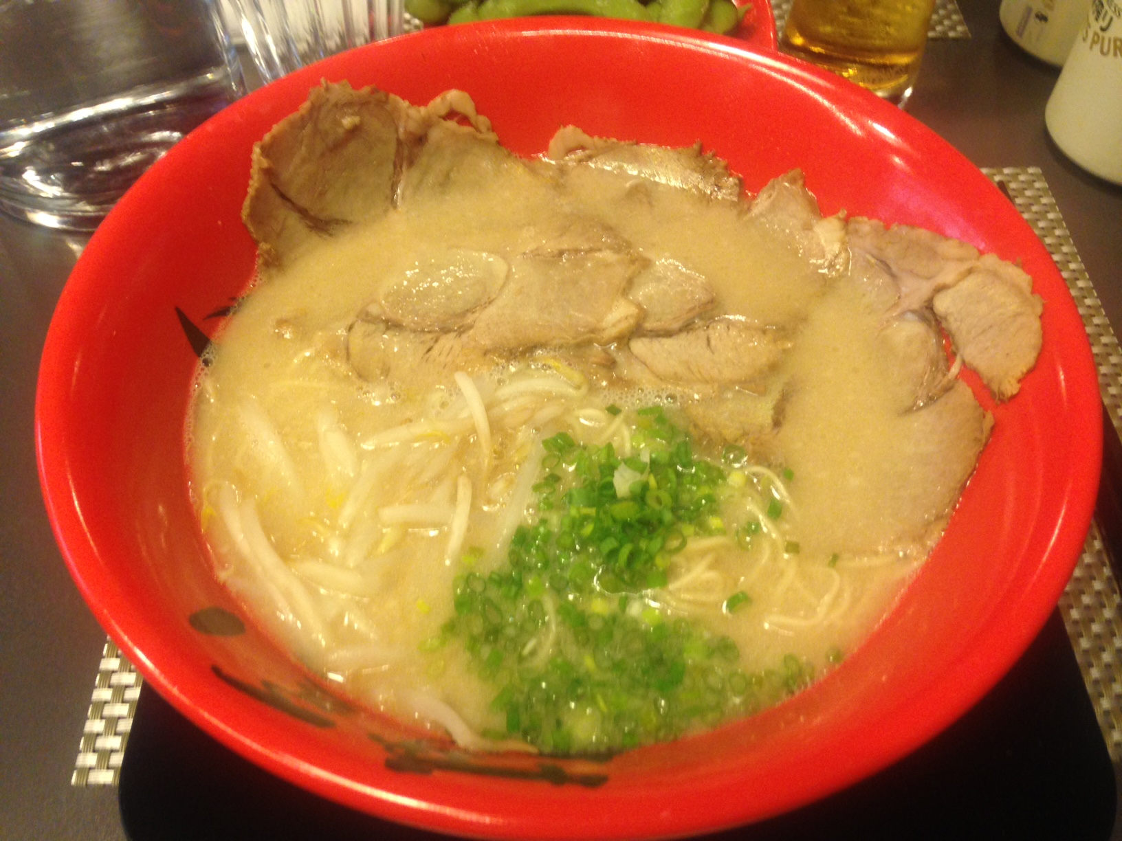 Hakata choten le ramen authentique paris untitled magazine - Bouillon d os ...
