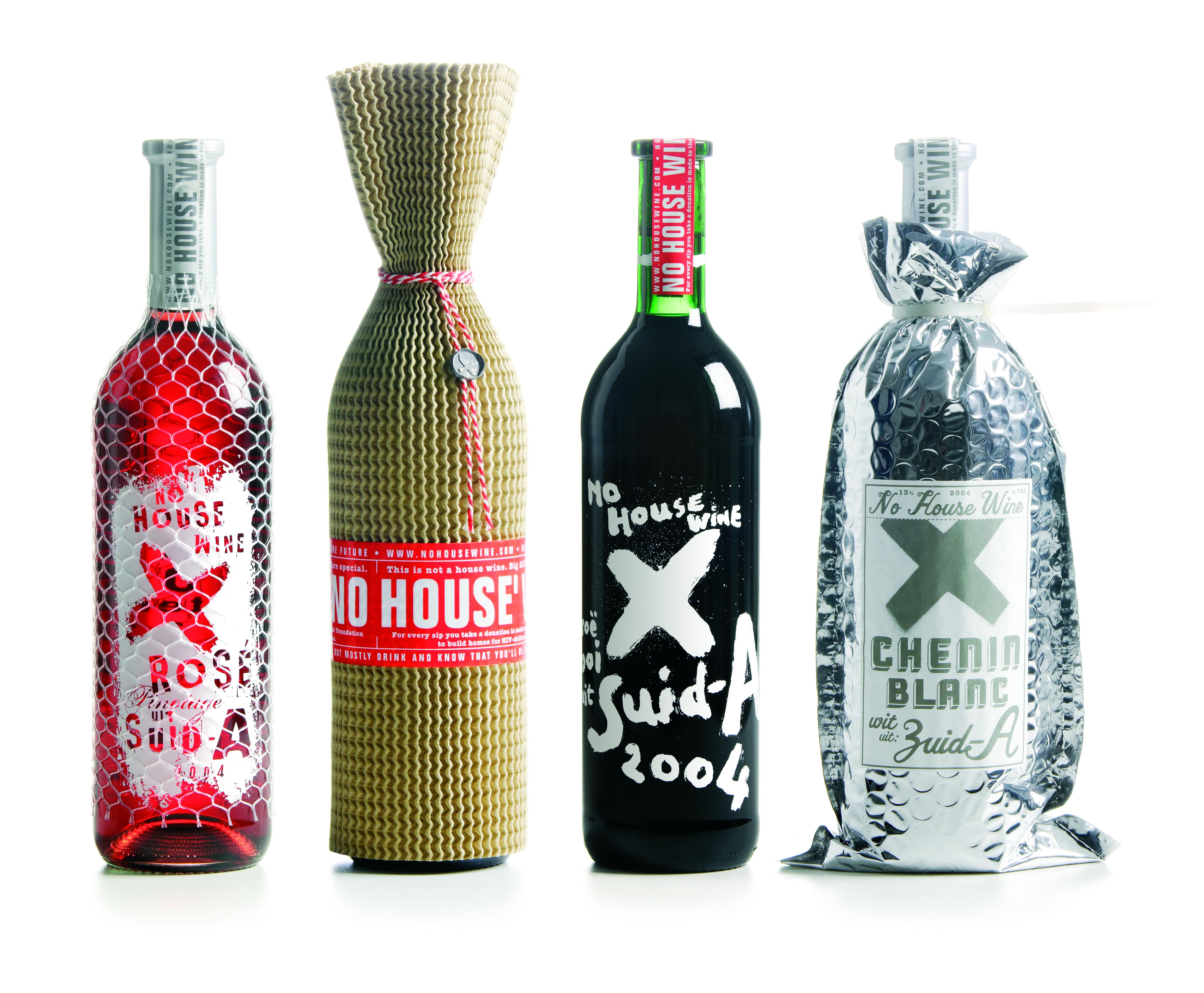 Studio Boot  No House Wine, design de bouteilles de vin, direction artistique, réalisation graphique et illustration Edwin Vollebergh, 7x30,4cm de 2008 à 2013. © Studio Boot, Pays-Bas