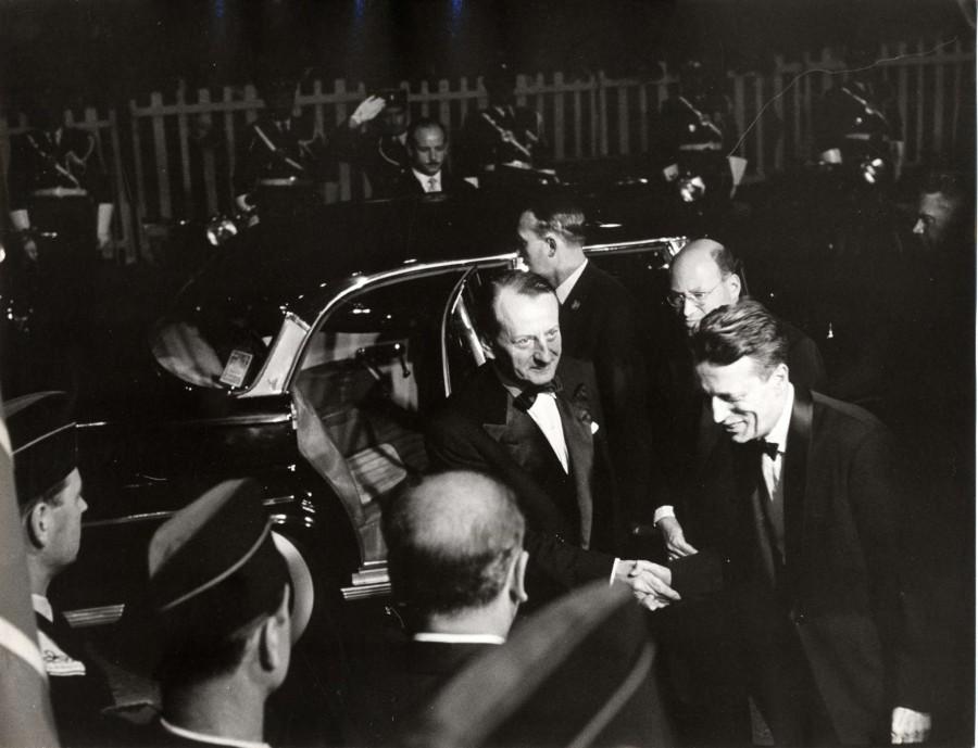 Malraux à l'édition de 1960, juste avant de se prendre les tomates des révoltés de la Nouvelle Vague