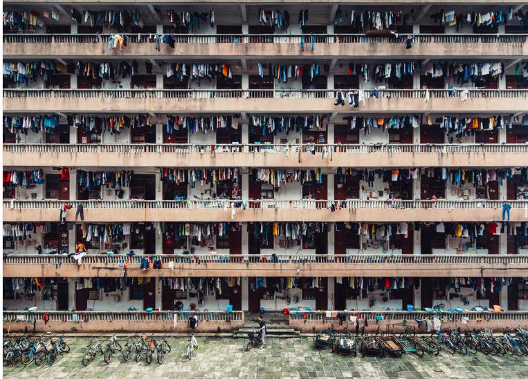 """Deuxième place, catégorie """"villes"""" © Wing Ka HCe cliché immortalise un moment de pause dans le dortoir de l'université de Guangzhou (Canton), que j'ai découvert lors de mon dernier voyage en Chine."""