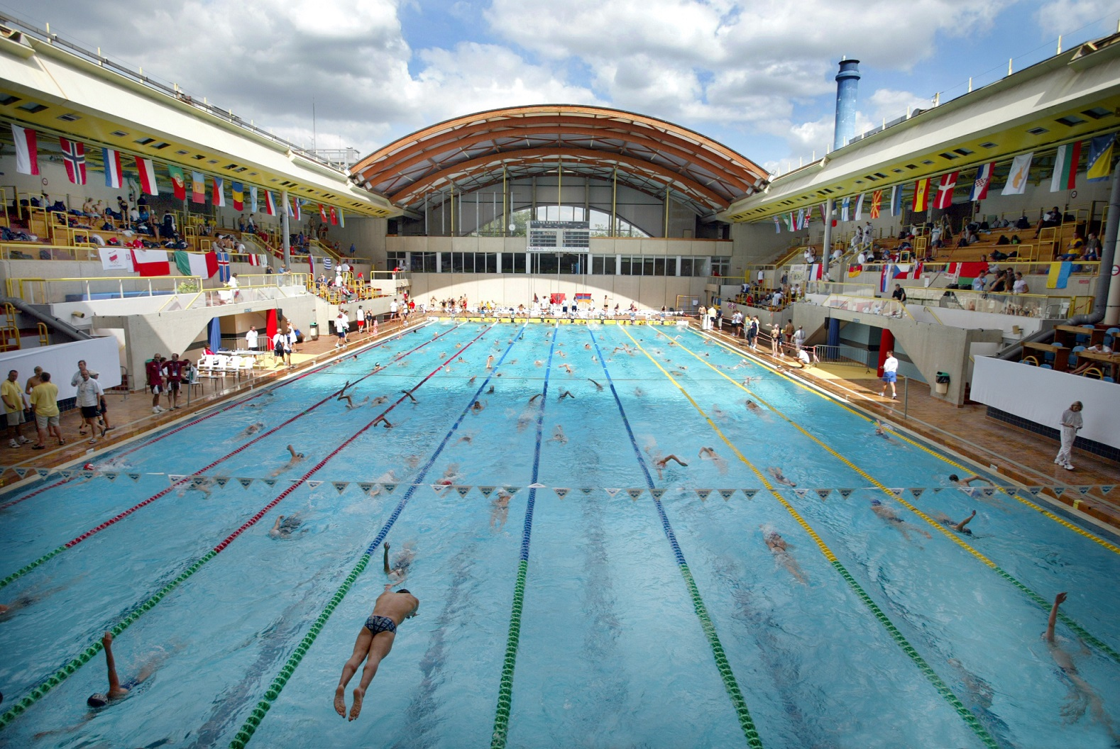 Le top 5 des piscines d couvertes l 39 t paris for Piscine bernard lafay