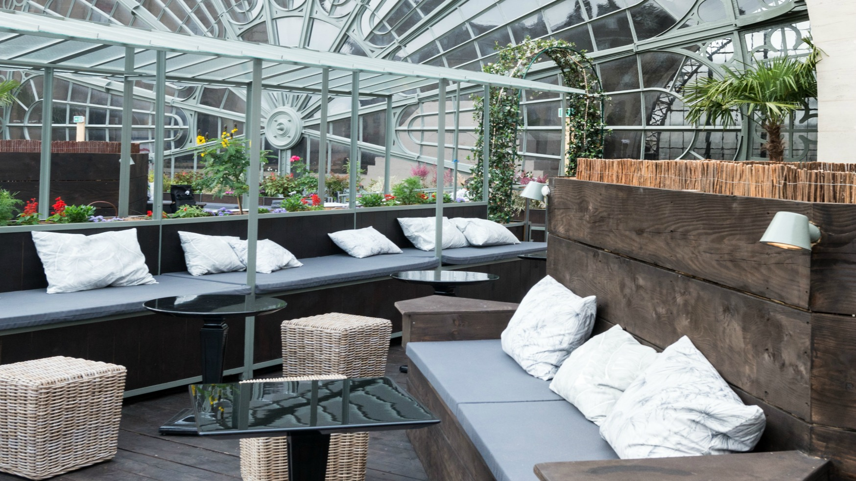le perchoir de l est nouveau rooftop branch untitled. Black Bedroom Furniture Sets. Home Design Ideas
