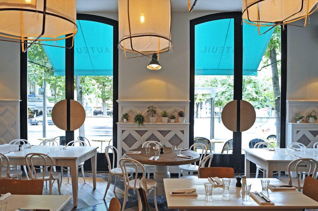 brasserie auteuil une ancienne gare transform e en rooftop et resto italien. Black Bedroom Furniture Sets. Home Design Ideas