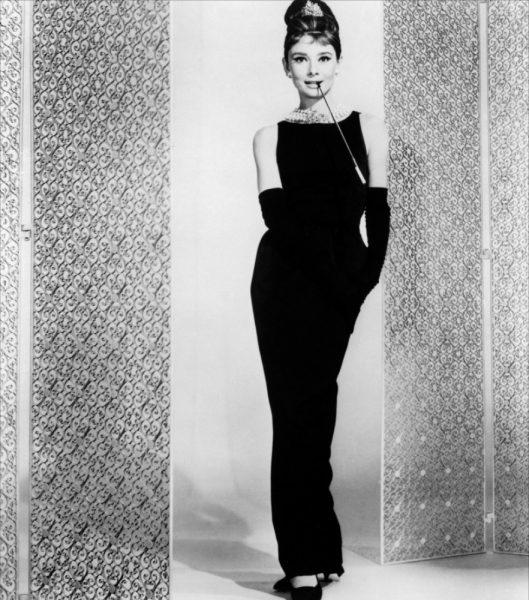 En 1960, pour «Diamants sur canapé», Givenchy met à la disposition d'Audrey Hepburn toute sa collection haute couture.