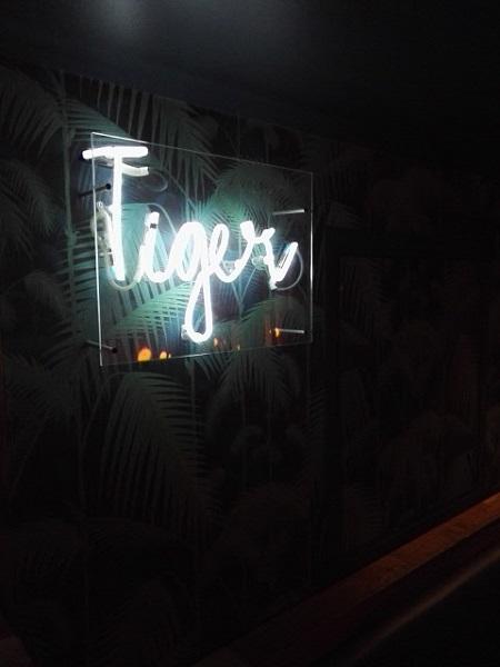 """Ambiance """"tropicool"""" tamisée pour after work réussi. Crédits photo : Claire Gervais"""