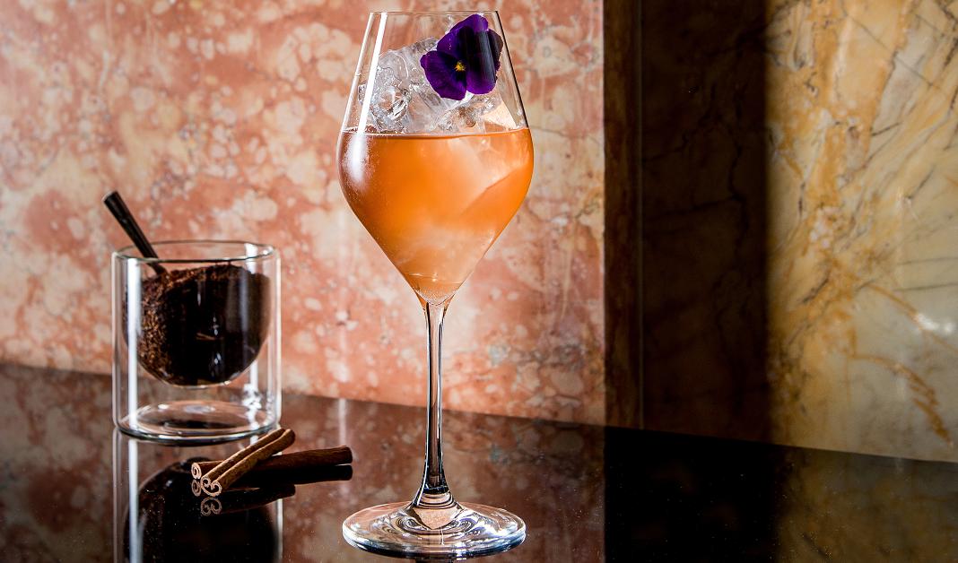 Le surprenant cocktail Blossom Honey, création de Florian Thireau. Crédits photo : Le Prince de Galles