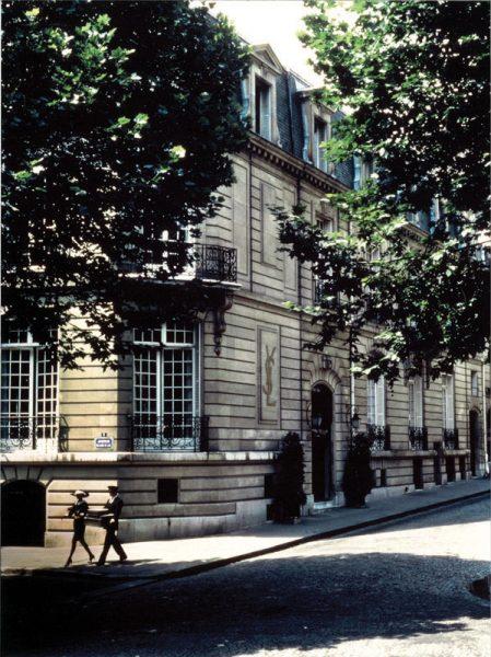Fondation Pierre Bergé Yves Saint Laurent, 5 avenue Marceau, © Sacha 1982